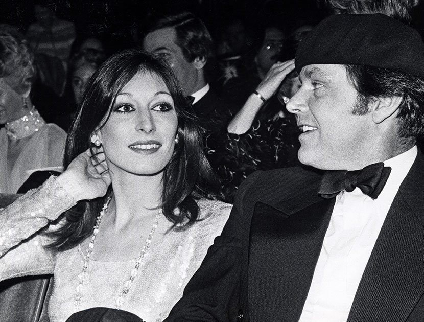 Anjelica huston and jack nicholson archive